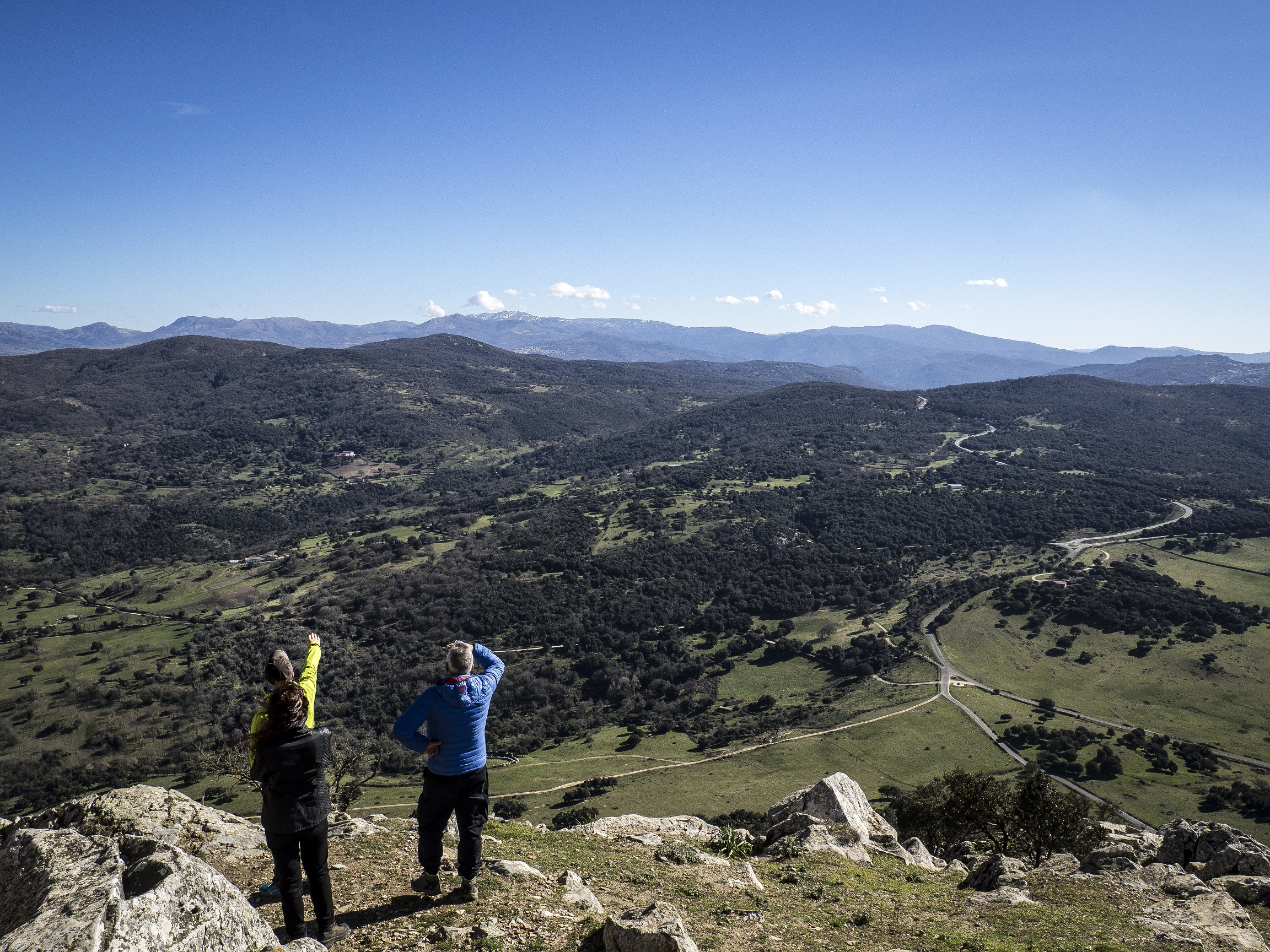 Anello del lago di Gusana, sentiero sul monte Gonare e visita al Museo Nivola